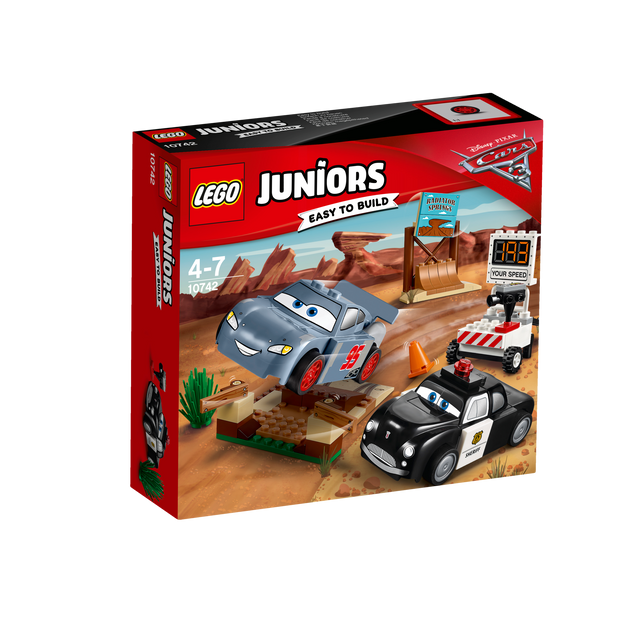 Lego Juniors Disney Pixar Cars 3 - La piste d'entraînement de la Butte à Willy - 10742 Bats le record de vitesse avec Flash McQueen et Shériff de Disney•Pixar !