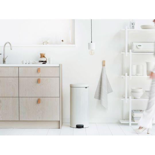 Poubelle de cuisine à pédale en acier avec seau intérieur 30L - Blanc