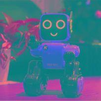 Wewoo - Robot Jjr / C R4 Cady Wile 2.4GHz Télécommande intelligente Robo-conseiller gestion d'argent Jouet avec lumière Led colorée distance contrôle à distance: 15m tranche d'âge: 8 ans au-dessus rouge