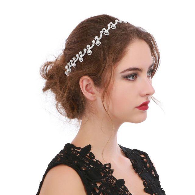 cb3a385a5fd875 Lamodeuse - Bijou de cheveux argenté strass et perles - pas cher ...