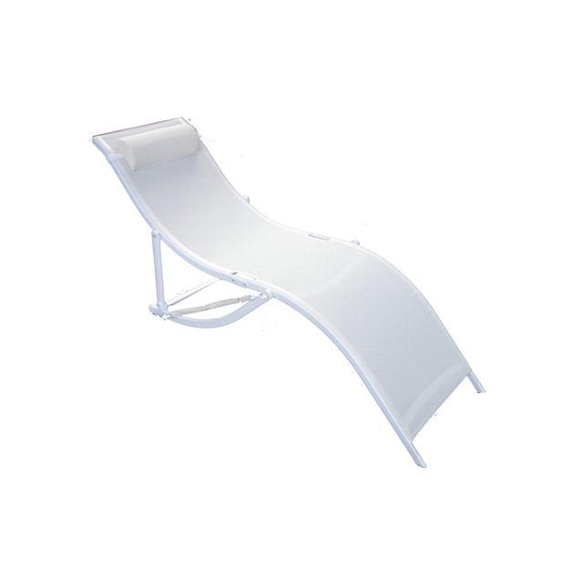 Avec repose-tête. Empilable. Structure en aluminium. Assise et dossier en textilène. Equipé d'une sangle pour le transpo