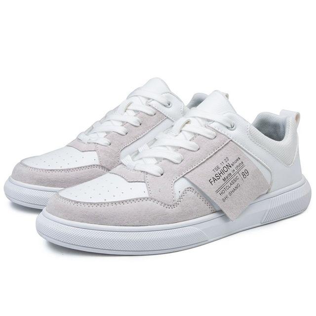 Chaussures de sport en plein air pour hommes cuir microfibre pour enfants Couleur: blanc Taille: 44