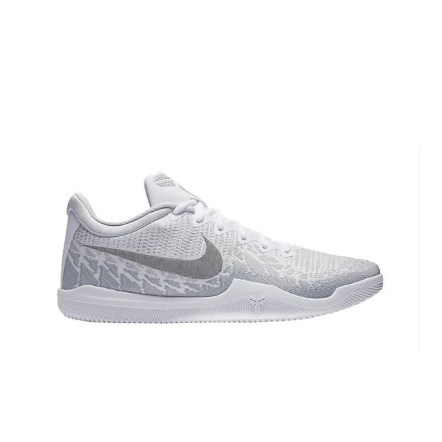 Nike Mamba Rage pas cher Achat Vente Chaussures basket