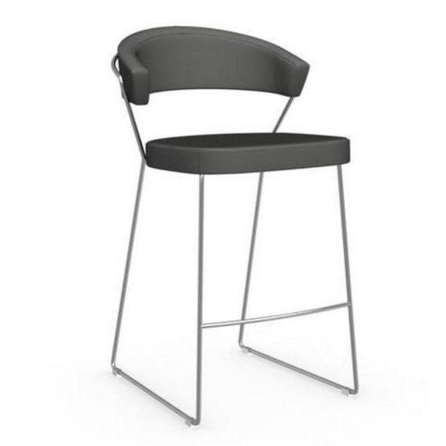Chaise de bar New York design italienne structure acier chromé assise cuir grège