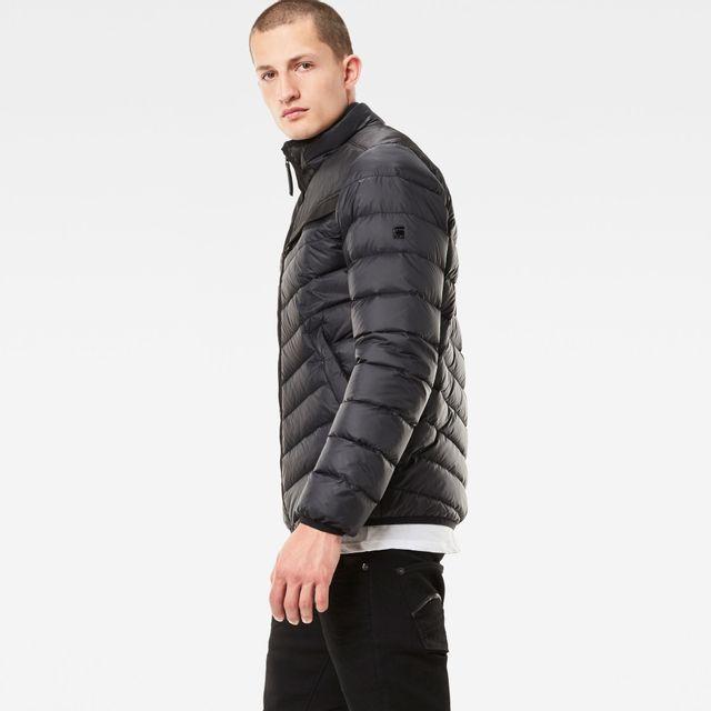 G-STAR RAW Veste ATTACC DOWN Noir Le modèle Attacc Down Jacket est confectionné dans un nylon léger et doté d'une isolation en duvet véritable. Extérieur synthétique léger, tissu doux et lisse au tou