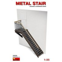 Miniart - Décor de guerre 1/35 : Escalier métallique