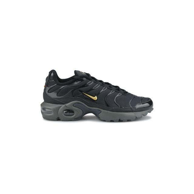 18b3246a5d630 Nike - Basket Air Max Plus Tn Tuned Se Junior Noir Bv0868-001 - pas ...