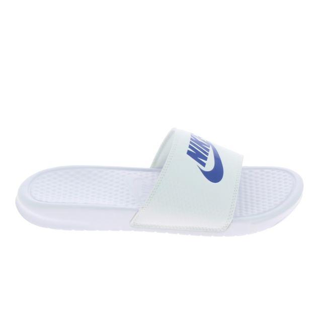 the latest e9d1f 34105 Nike - Benassi Jdi Blanc Bleu - pas cher Achat   Vente Sandales et tongs  homme - RueDuCommerce