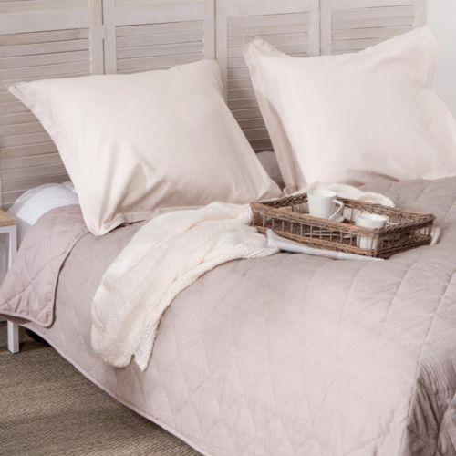 paris prix dessus de lit matelass 220x240cm lin beige nc pas cher achat vente. Black Bedroom Furniture Sets. Home Design Ideas