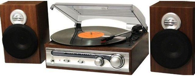 roadstar chaine tourne disque vintage ebenisterie bois hif5988 pas cher achat vente platine. Black Bedroom Furniture Sets. Home Design Ideas