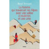 Kero - La femme qui traversait les Alpes avec une valise à roulettes et une urne