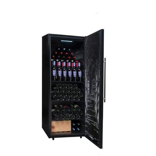 CLIMADIFF Cave à vin de vieillissement PCLP205 - Installation : pose libre- Système de froid : compresseur (froid statique ou brassé)- Amplitude de fonctionnement : 5°-20°C- Carrosserie en tôle coloris noir- Revêtement in