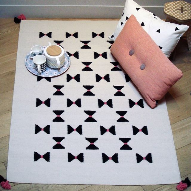 Art For Kids - Tapis Noeuds Papillon Rose chambre Fille - Couleur - Rose, Taille - 110 / 160 cm 140 - 200