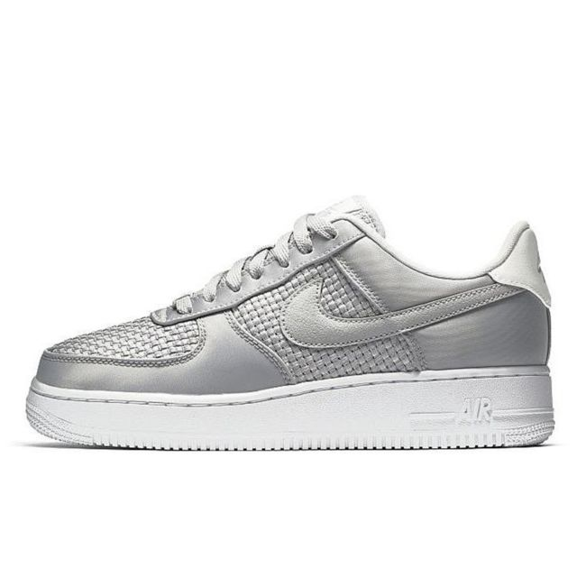 Nike Basket Air Force 1 07 Se Aa0287 004 pas cher