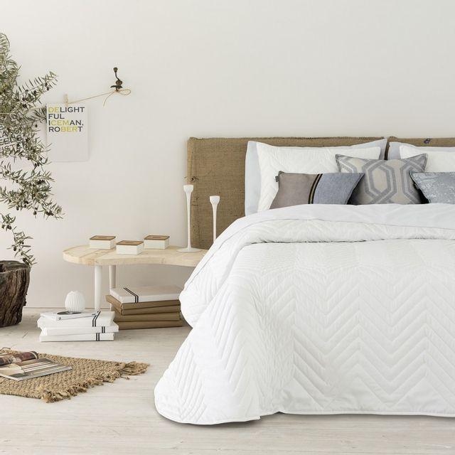 100pourcentcoton couvre lit 280x270 cm tiss jacquard montis blanco 2 taies 40x60 cm pour lit. Black Bedroom Furniture Sets. Home Design Ideas