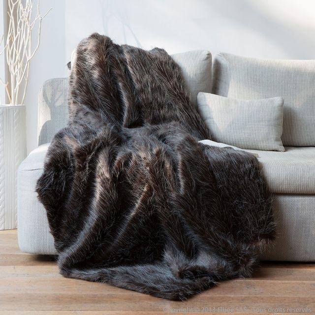 comptoir des toiles plaid fausse fourrure autruche noir blanc 140x180cm sweet homenc pas. Black Bedroom Furniture Sets. Home Design Ideas