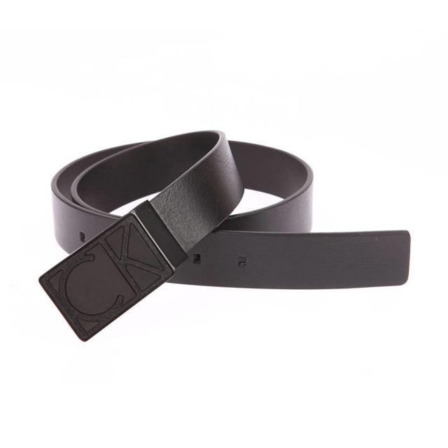 d6556dac71b9 Calvin Klein - Ceinture ajustable Calvin Klein Jeans High Contrast en cuir  noir à boucle pleine