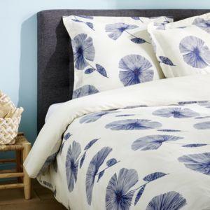 tex home parure bleuet housse de couette 2 taies d 39 oreiller en satin bleu fonc pas cher. Black Bedroom Furniture Sets. Home Design Ideas